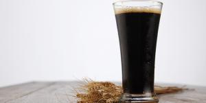Cerveja preta caseira