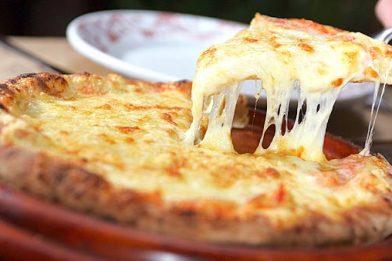 Massa de pizza simples e rápida