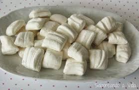 A melhor receita de bala de coco para aniversários