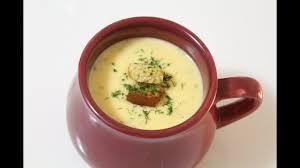 Caldo de batata simples e bem temperado