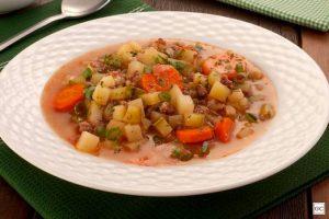 Sopa de carne moída