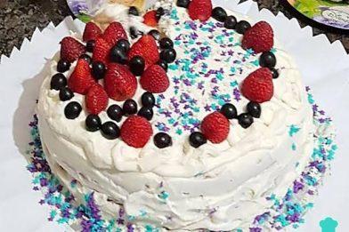 Bolo de aniversário simples e barato