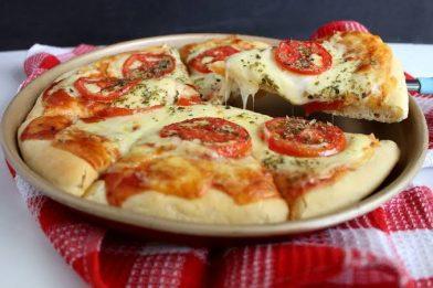 Massa de pizza com fermento seco