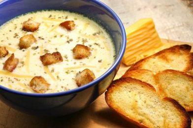 Sopa de queijo cremosa