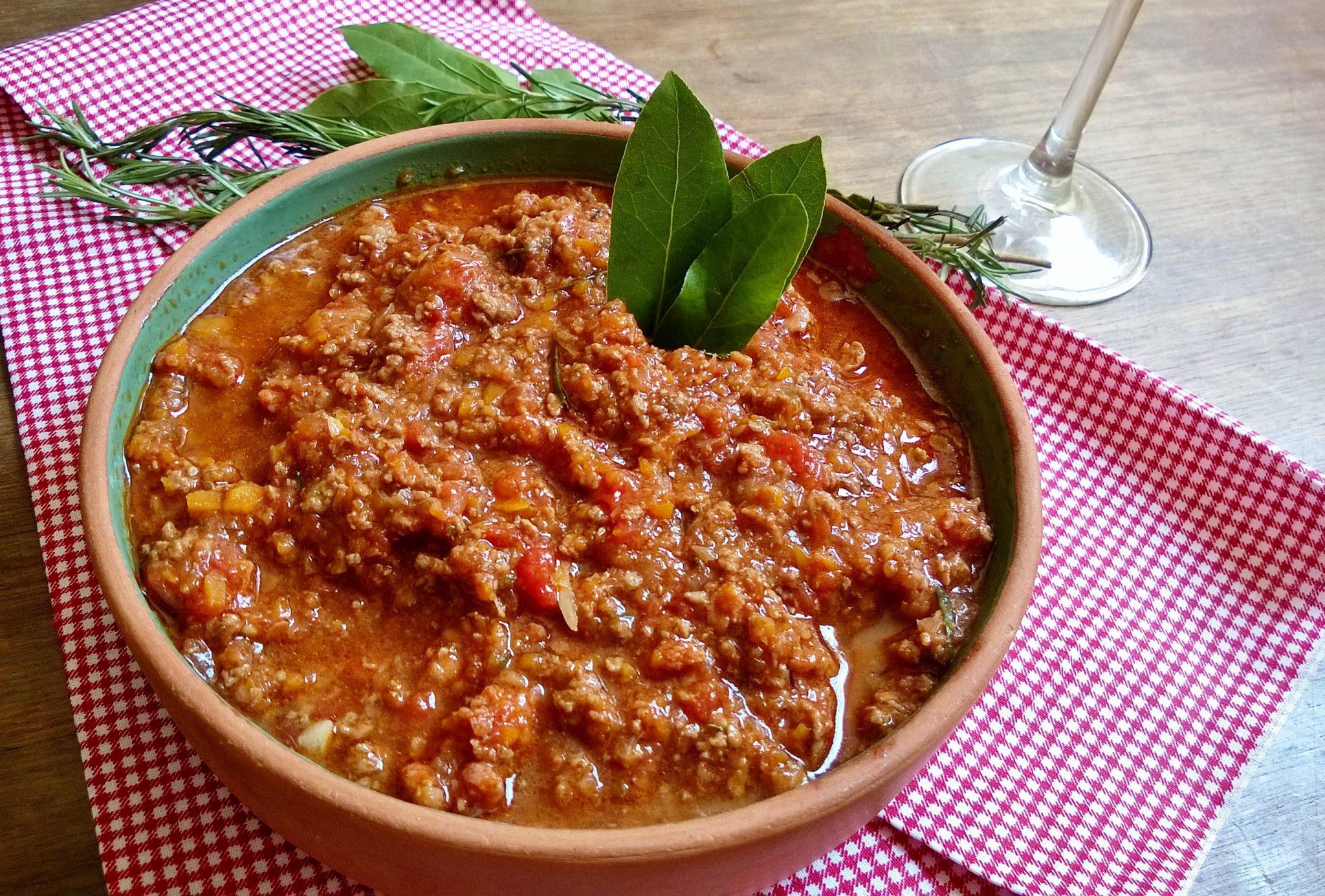 carne moída com tomate